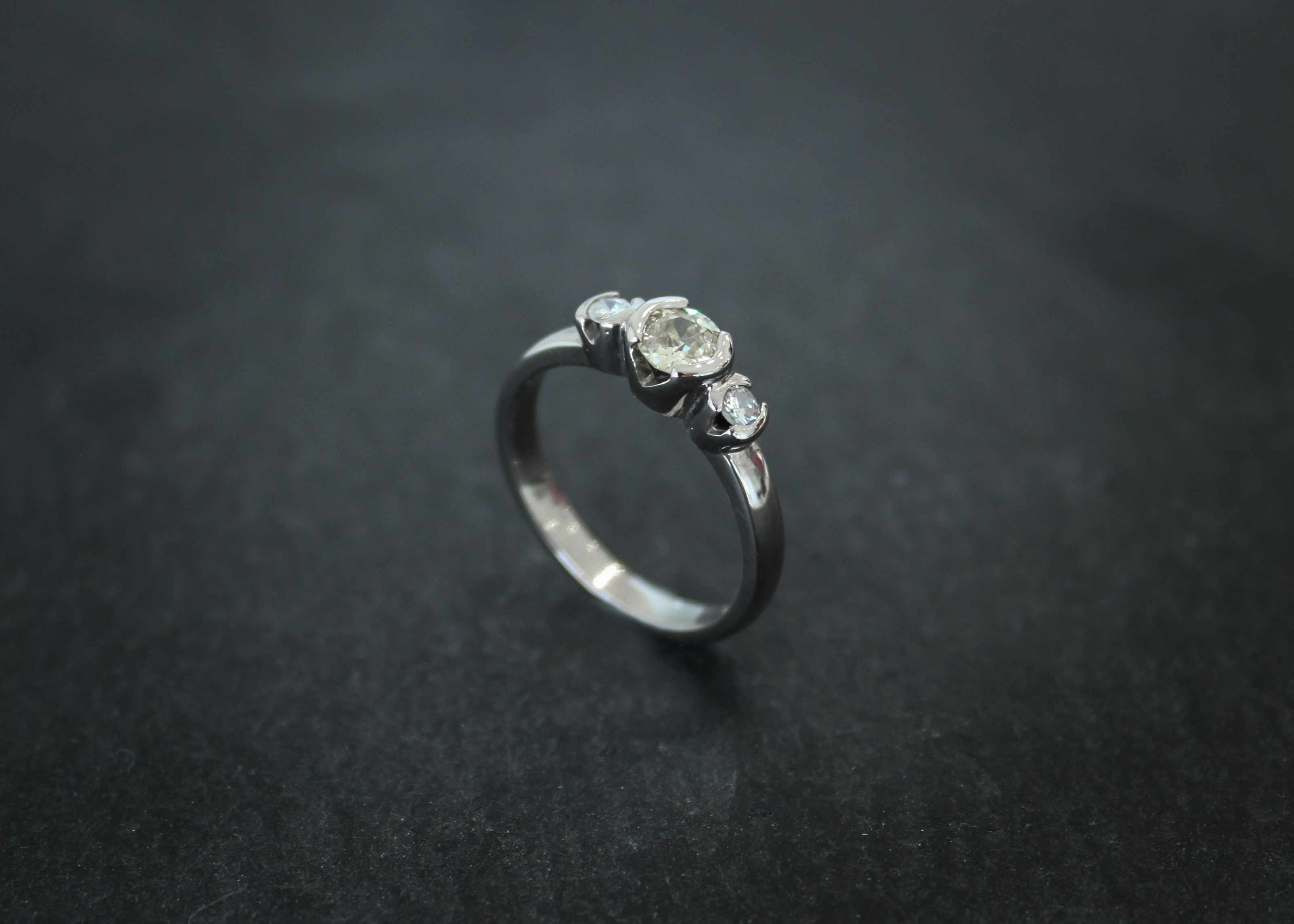 a re-designed #engagement #ring. handmade in #palladium and holds