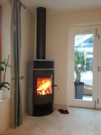 Contemporary Wood Burning Stoves by Stuv 3 position turning door