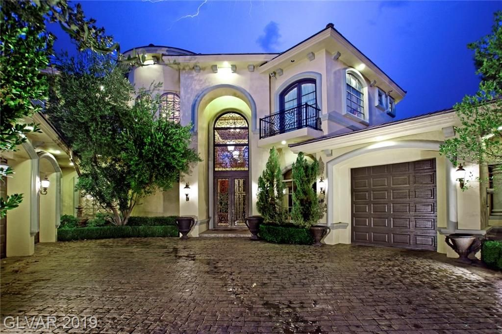 Las Vegas luxury home for sale features 5 Bedrooms,7