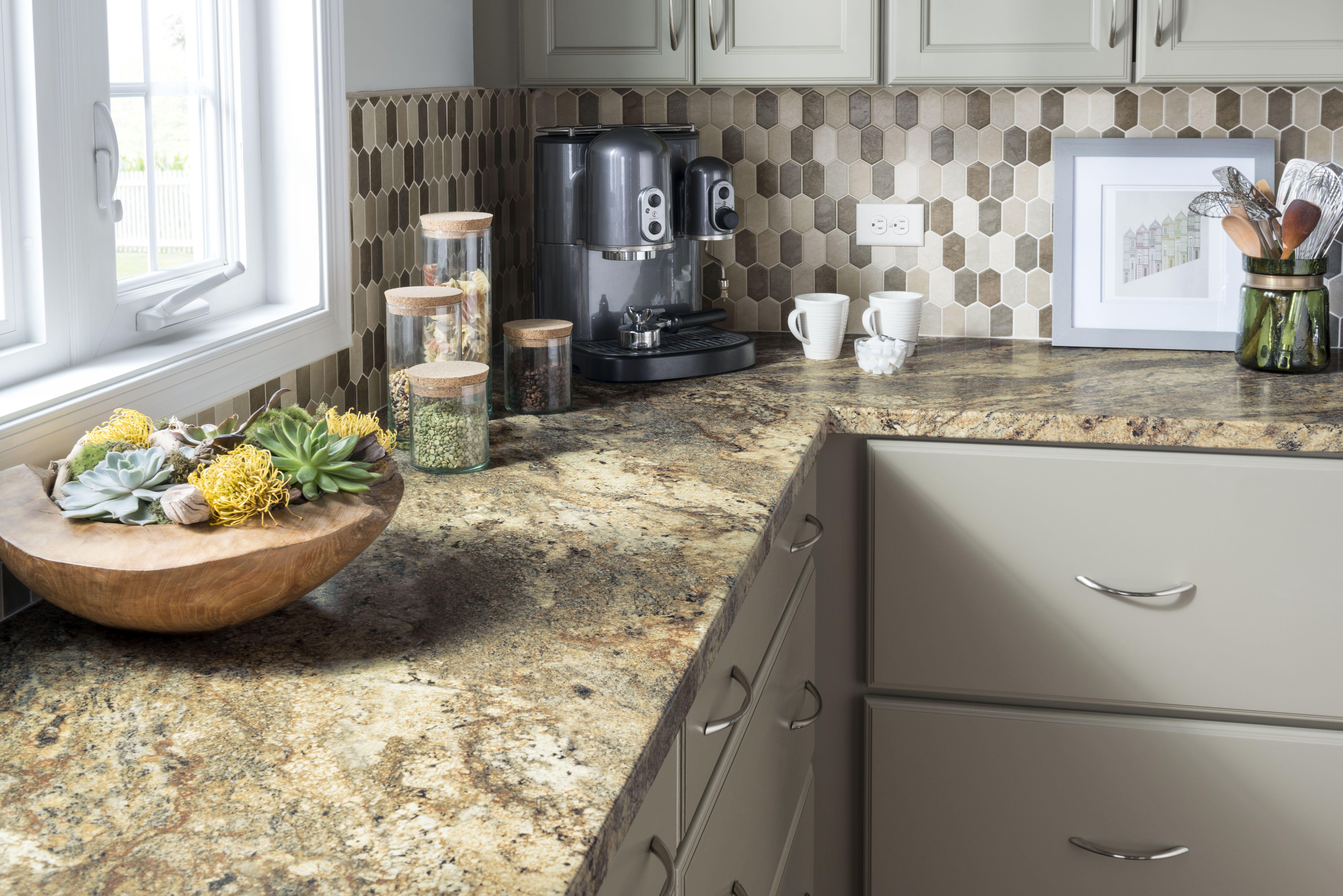 Stunning Kitchen Featuring Laminate Countertops #Laminate #Countertops #Kitchens #Kitchentrends #Kitcheninspiration