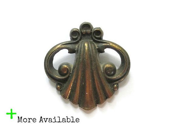 This listing is for 1 vintage drawer pull and the screw for