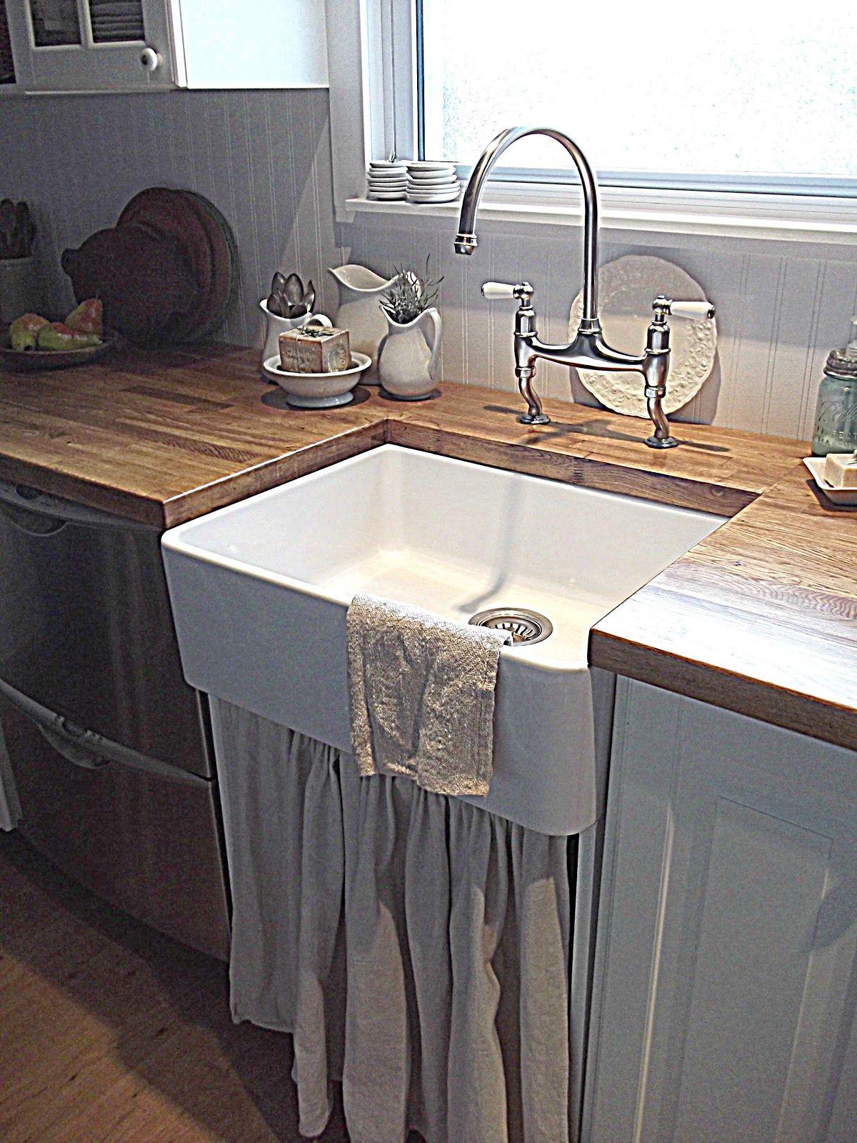 Rustic Farmhouse's farmhouse sink.....LOVE it Rustic