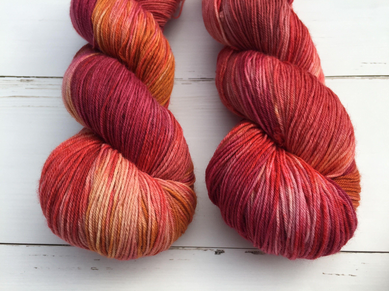 Several Reds-Sock- Hand dyed yarn, 75/25% superwashed merino wool /nylon door AtelierSopra op Etsy