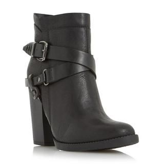 Channel a Western vibe to your look with this buckle trim ankle boot. It features an almond toe, inside zip fastening and a chunky block heel. Wear with skinny jeans and an off the shoulder top for casual chic.