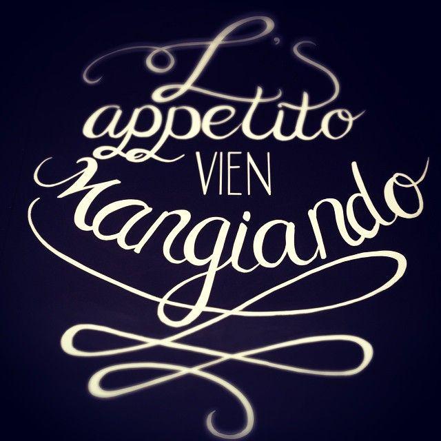 handlettering by Mariella van Leeuwen, signing, chalk art, L' appetito vien mangiando