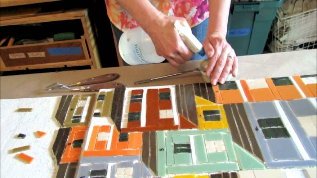 Why Bonnie Fitzgerald Loves Working With Laticrete S Glass Adhesive Mosaic Supplies Mosaic Pieces Tile Stained