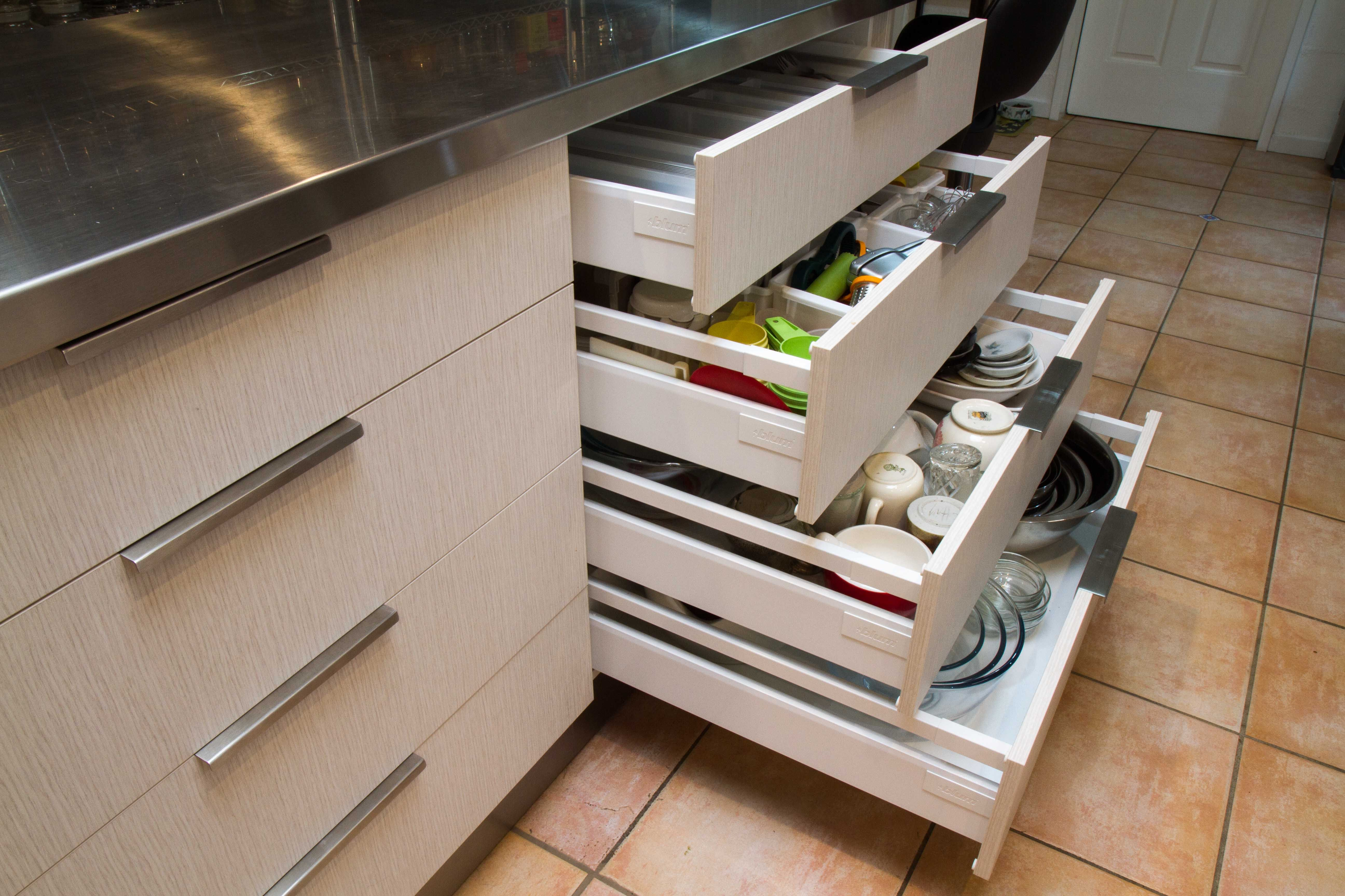 Semi Industrial Kitchen 4 Drawers For Maximum Storage 50kg Weight Capacity Per Drawer Means This Area Can Hold 200kg Kitchen Cabinets Kitchen Drawers Drawers