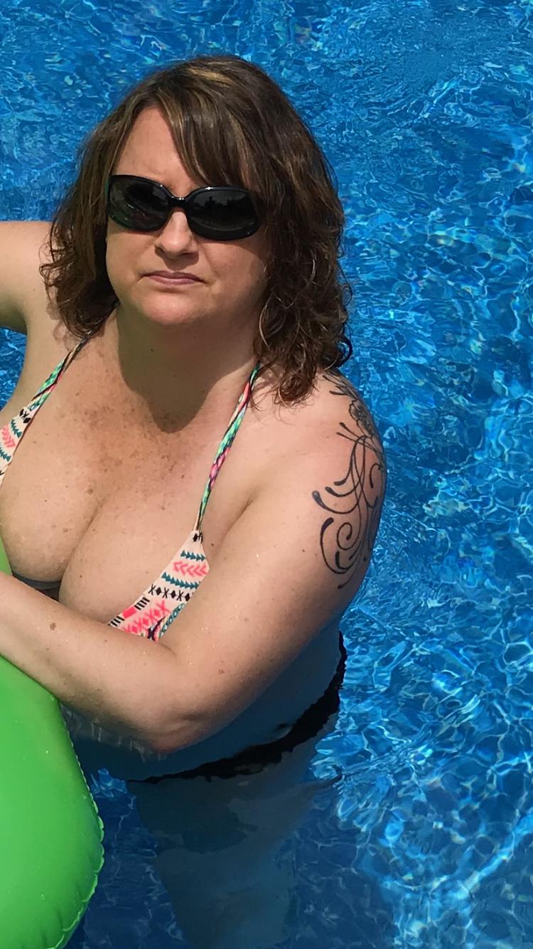 Sexy wife pool