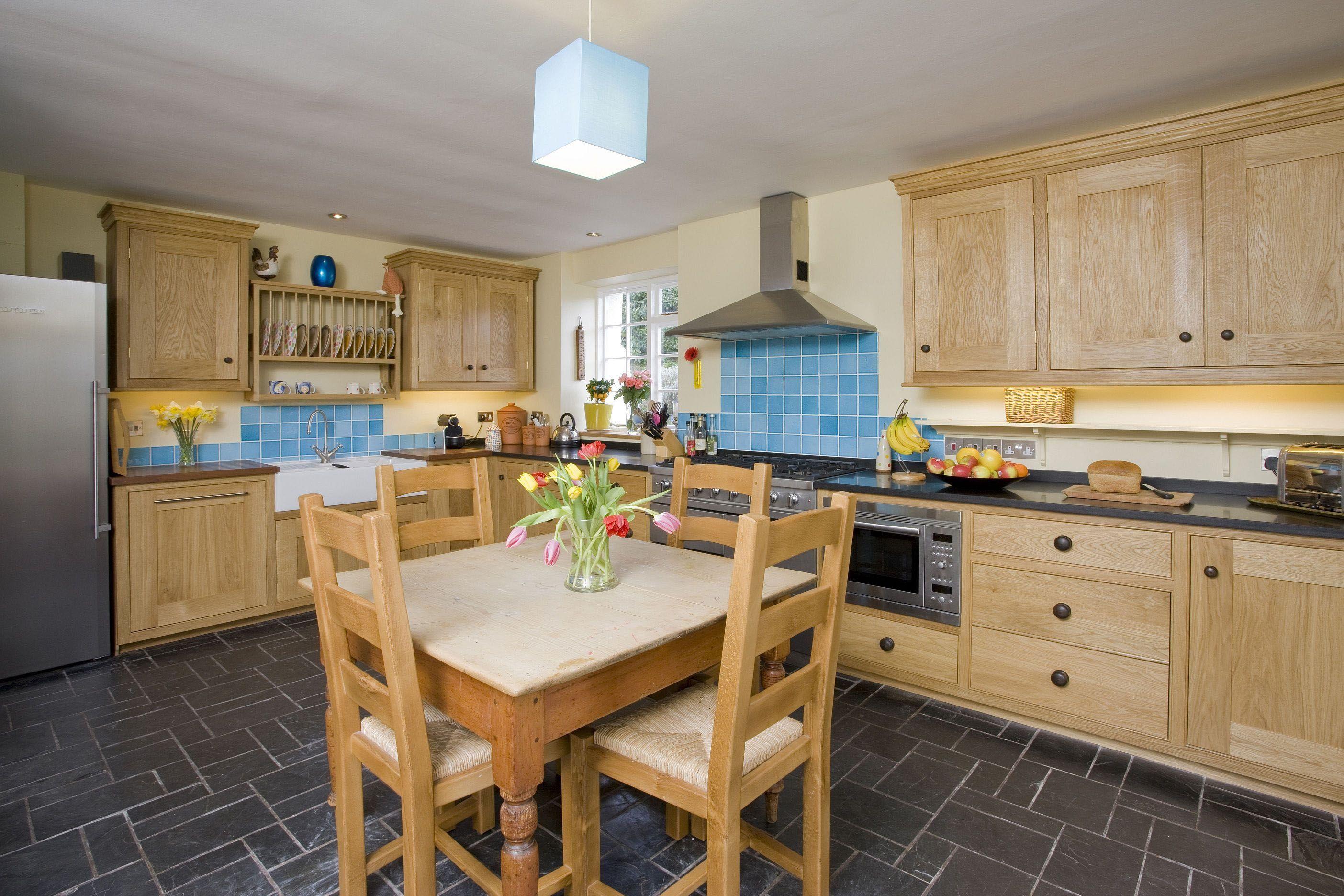 Fascinating 10 X 11 Kitchen Design : Nice Cottage Kitchen Design ...