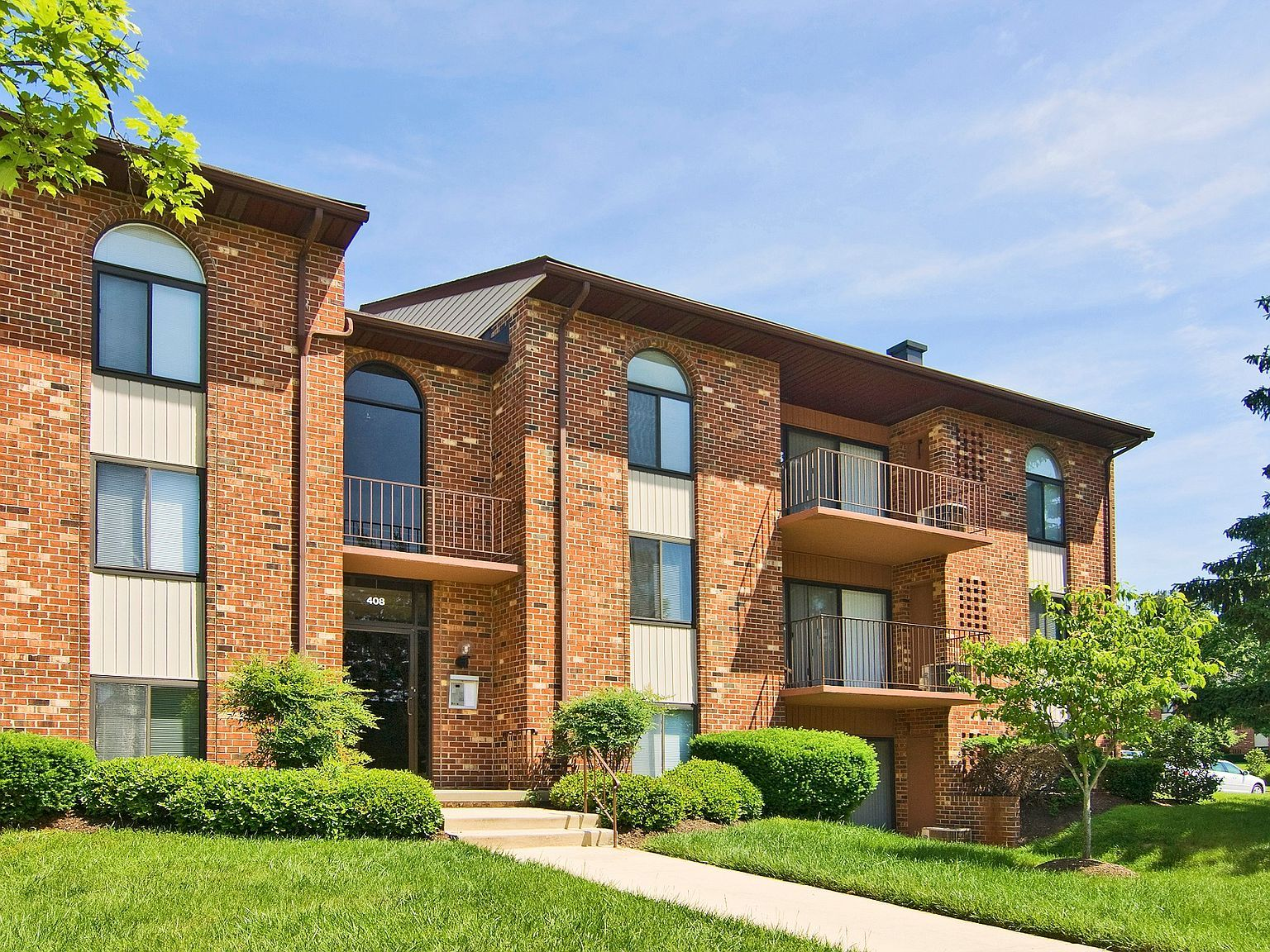 For rent 1,774. Caton House Apartments in Catonsville