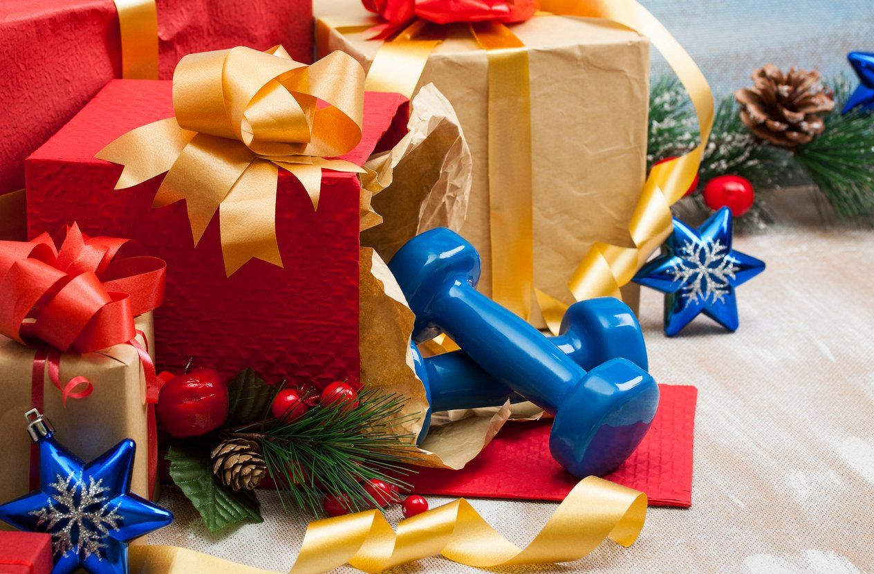 Here's a Holiday Gift Guide for the Fitness Junkie in Your Life   #christmasgifts #christmasgiftidea...