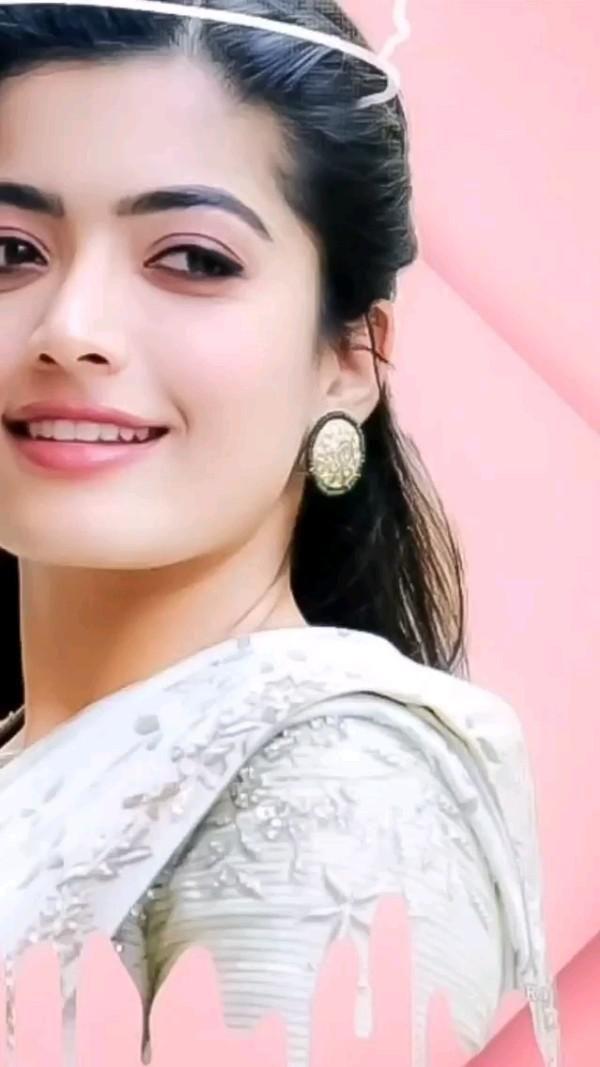 Rashmika Mandana Queen of Beauty Expression Queen #rashmikamandana #Pinterest
