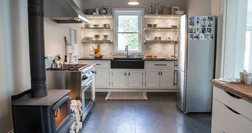 Loving The Wood Burning Stove In This Cozy Scandinavian Kitchen By Stonylake Scandinavian Kitchen Kitchen Kitchen Design