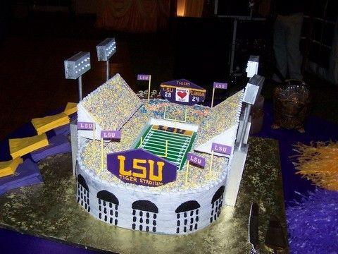Louisiana State University Lsu Football Stadium Themed Wedding Cake Tiger Stadium In Fondant And Cereal Treats Incredible