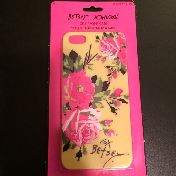 Yellow Betsey Johnson IPhone 5 and 5s case. Great stocking stuffer!!! Brand new in package yellow Betsey Johnson IPhone 5 and 5s case. Betsey Johnson Accessories Phone Cases