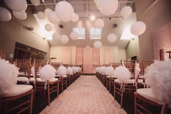 pompons blancs papier de soie Mariage deco Pinterest