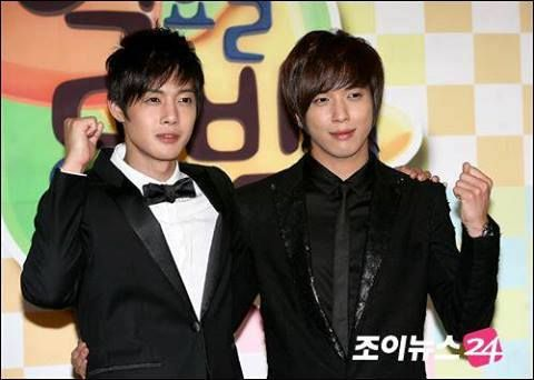 Kim Hyun Joong & Jung Yong Hwa!!!! Too very gorgeous guys. ^_^ Just finished Playful Kiss (Kim Hyung Joong) today! Loved it so much! Now I have drama hangover :/