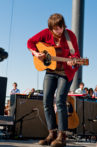 Robin Pecknold lead singer and guitar for fleet foxes!