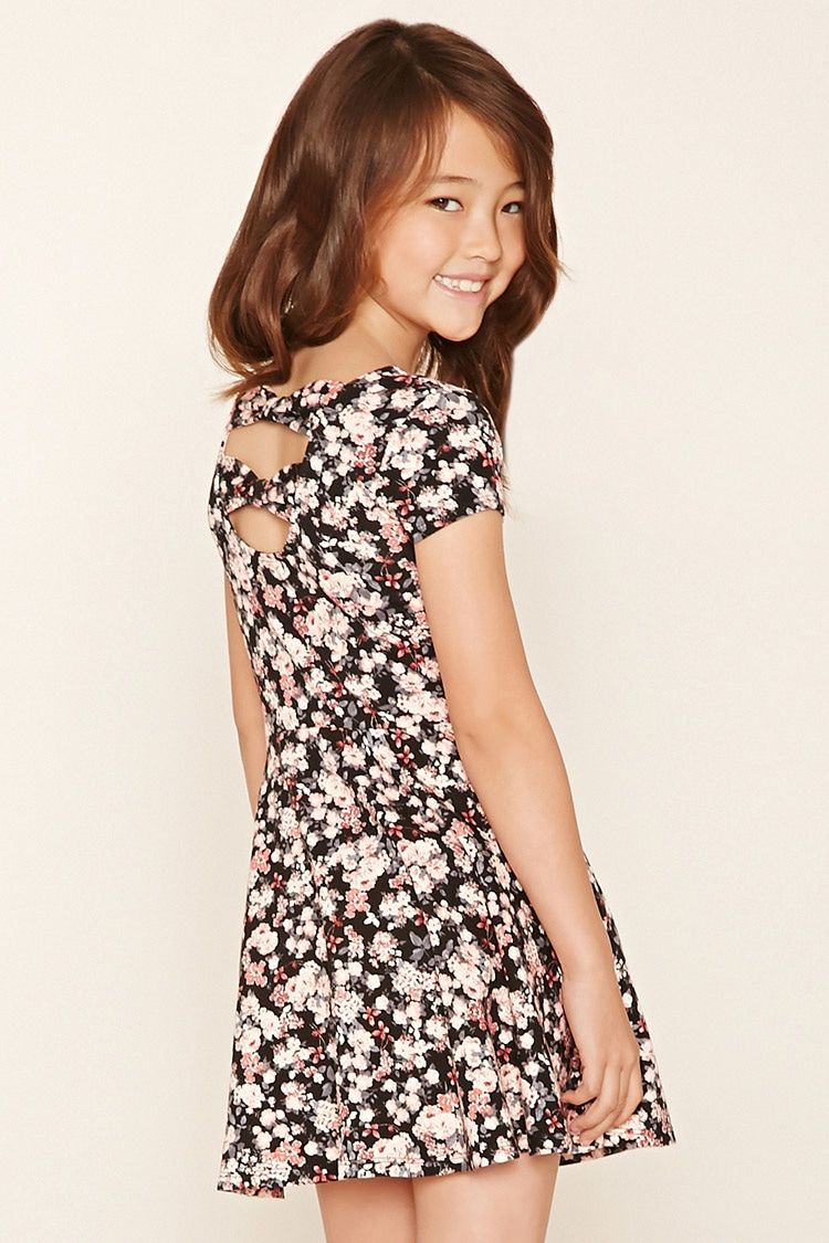 A knit skater dress featuring an allover floral print e55148e21
