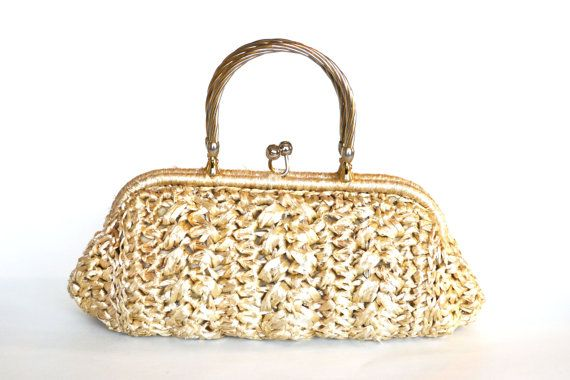 Vintage 1950s raffia and beaded evening pursecoin purse with clasp closure