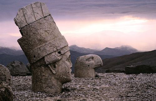 ancient stone heads of mount nemrut turkey in 62 bc king antiochus i theos of