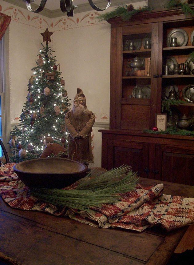 wwwpicturetrail/theprimitivestitcher Colonial Christmas - primitive christmas decorations
