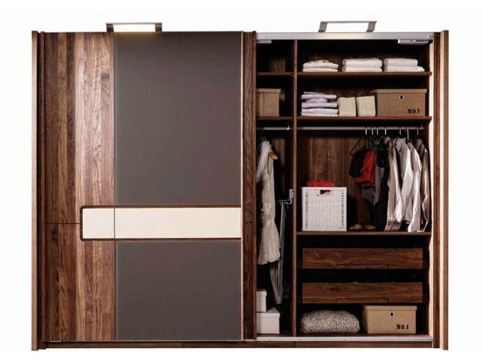 Kleiderschrank Aus Massivholz Holt Die Natur Ins Schlafzimmer Mobel Cabinet Wood Furniture Und Bedroom