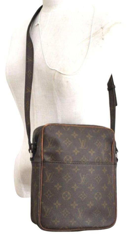 a0a63078e Louis Vuitton Petit Marceau Vintage Brown Monogram Cross Body Bag. Get the  trendiest Cross Body Bag of the season! The Louis…