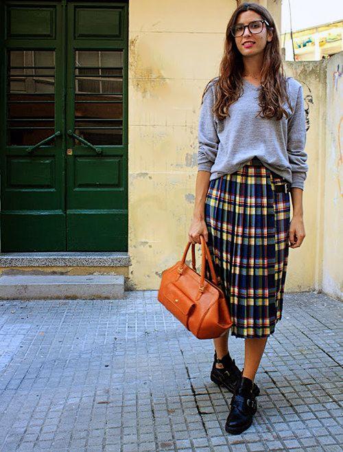 e46405223f993 Tartan street style. Tartan street style. Scottish Skirt