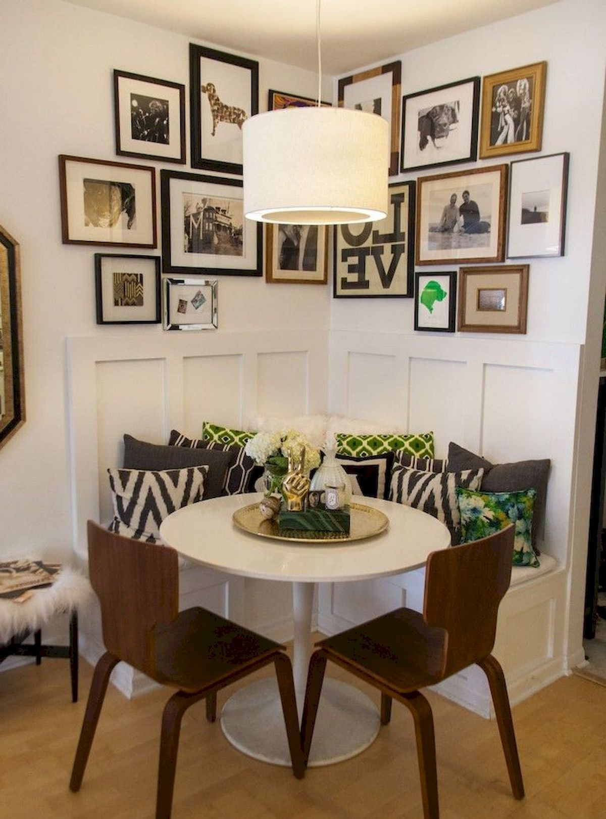 When you add a decorator's need to satisfy his client's very specific style points, the difficulty only multiplies. 52 Beautiful Small Dining Room Ideas On A Budget in 2020 ...
