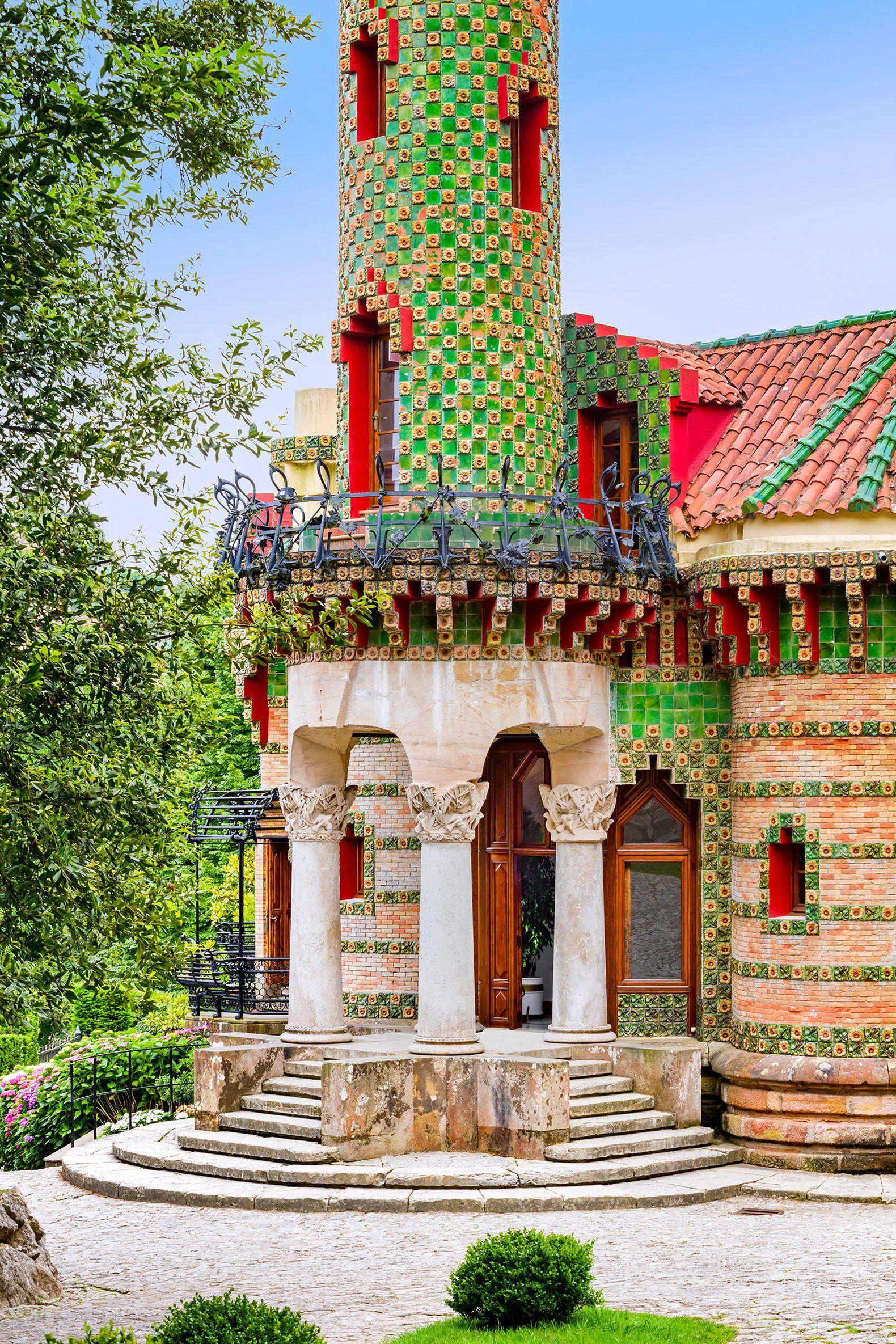 David Cardelús photographs Antoni Gaudí's El Capricho ...