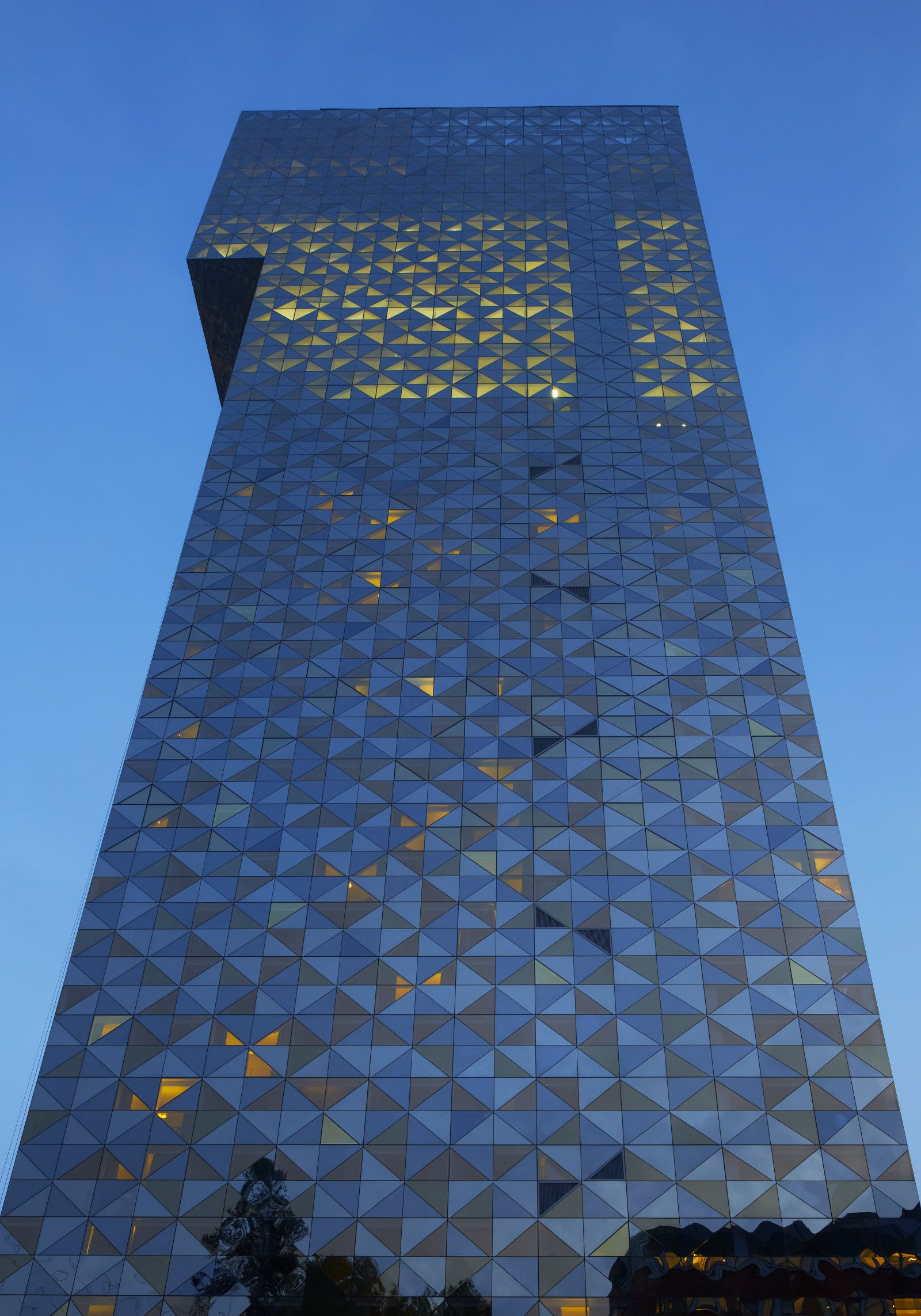Scandic-Victoria-Tower-facade-2.jpg (1600×2286)