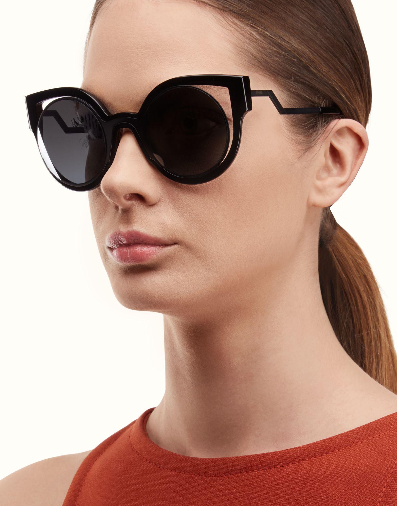 FENDI PARADEYES Fashion Show round sunglasses