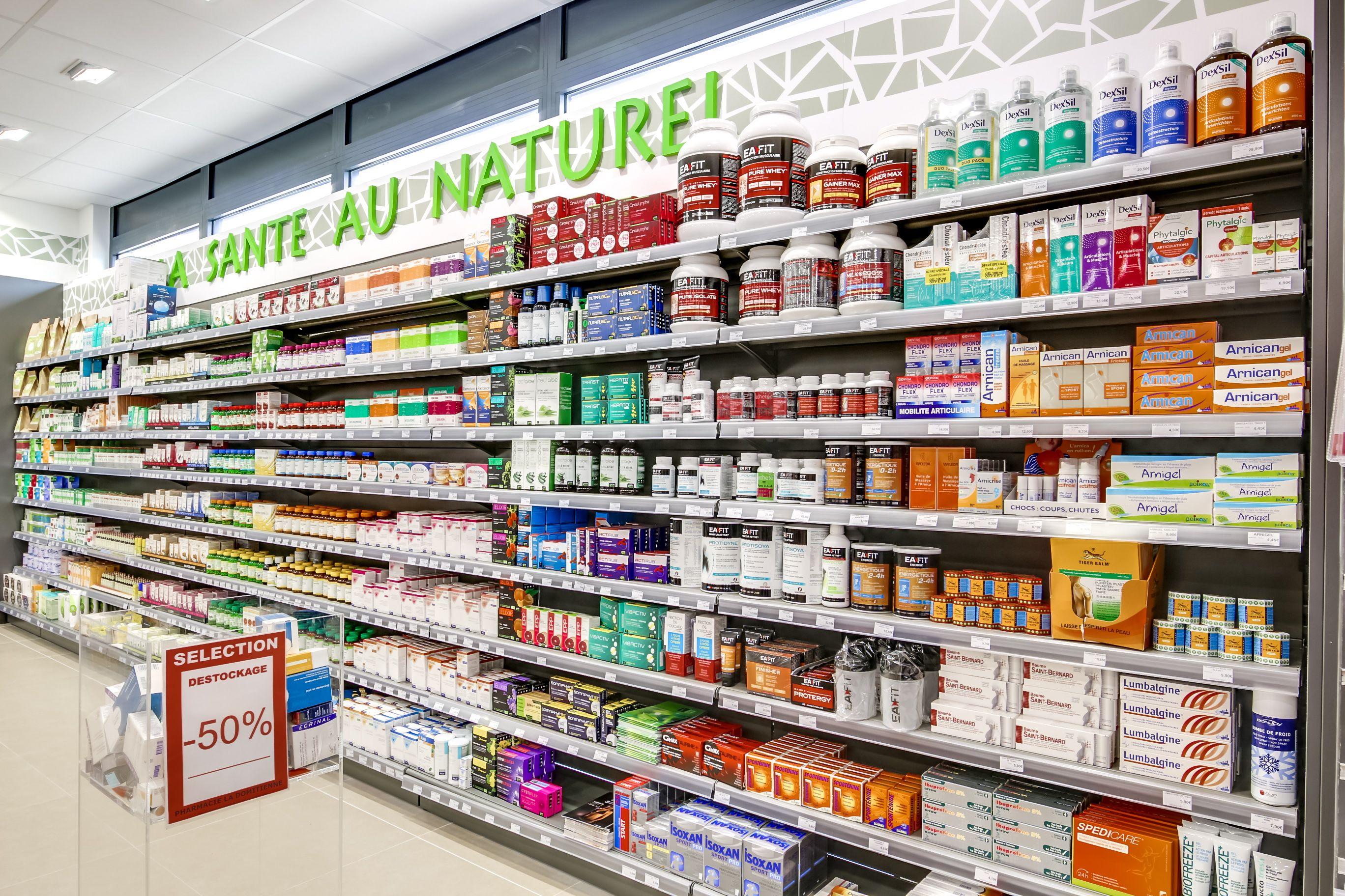 Etagere Pharmacie Avec Un Espace Sante Au Naturel Communication Et Graphisme Alphase