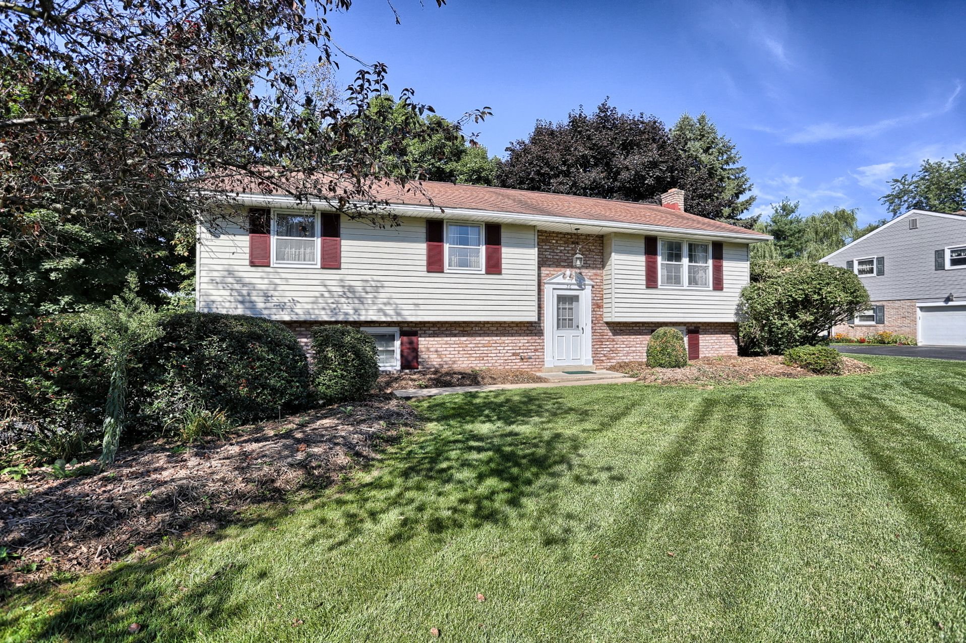 Front View Leola Pa Homesforsale Realestate Pennsylvania Sold