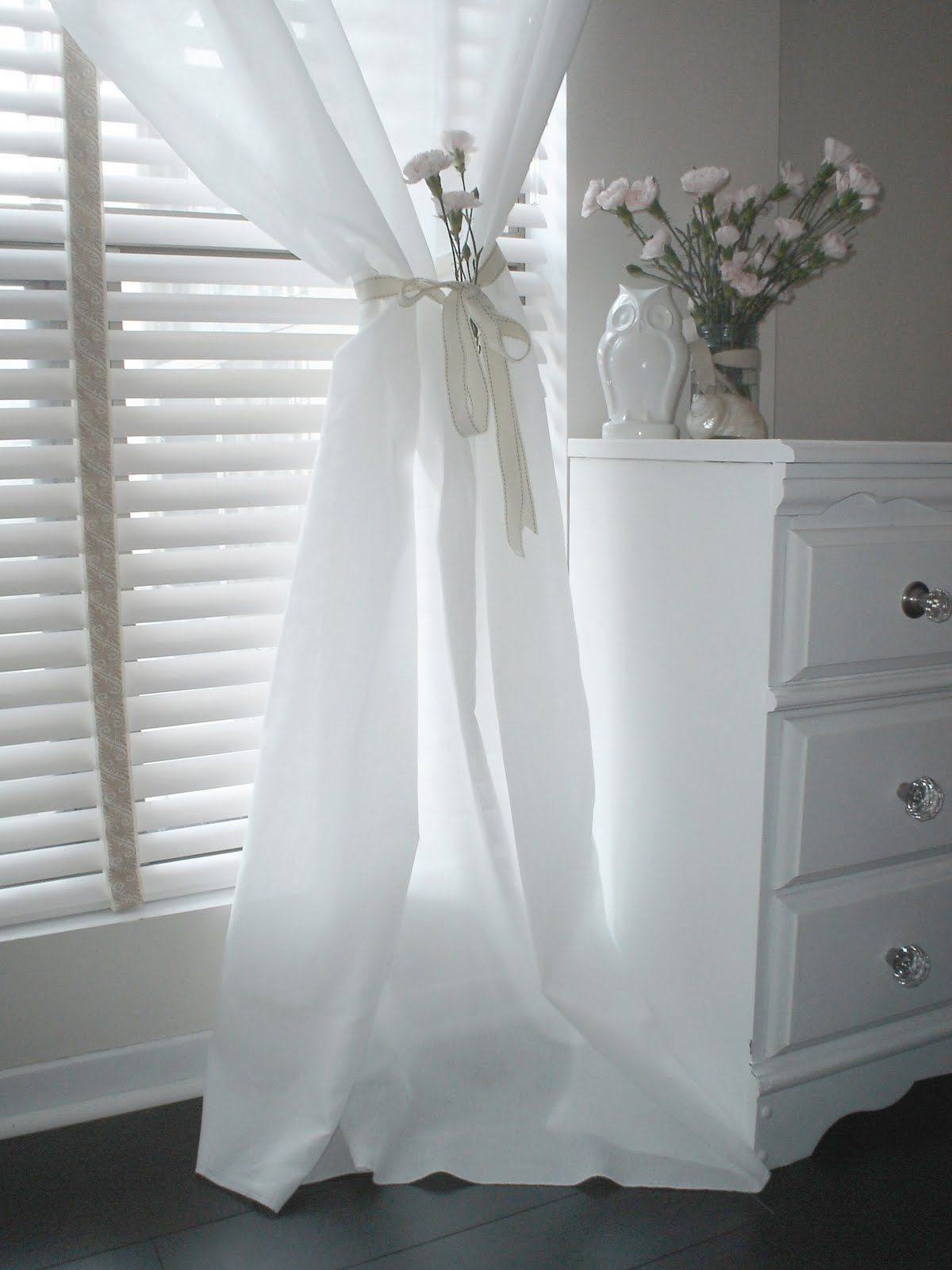 White curtains bedroom - Sheer White Curtains In Bedroom White Bedroom Curtains 17 Best Images About Curtains Zavese Tier