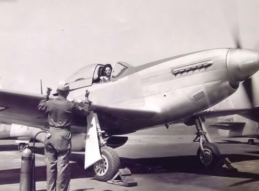 WASP pilot Florene Watson in her P-51D Mustang (Date and location unknown)