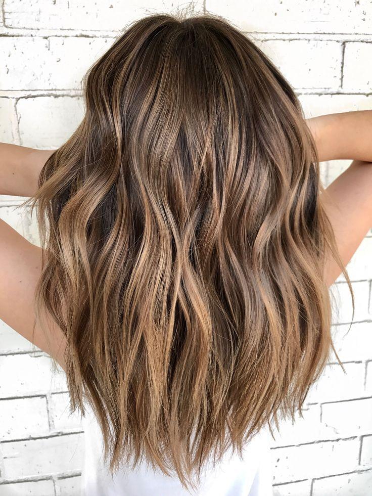 Warm balayage hair @nickilynnehair - Bilder für Sie #balayagehairstyle