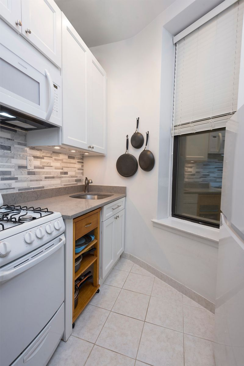 Here S What 275k Buys In Nyc Right Now Nyc Apartment Apartments For Sale Nyc