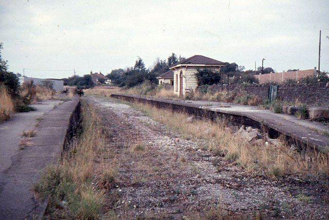 Warmley_railway_station_in_1972.jpg 640×429 pixels