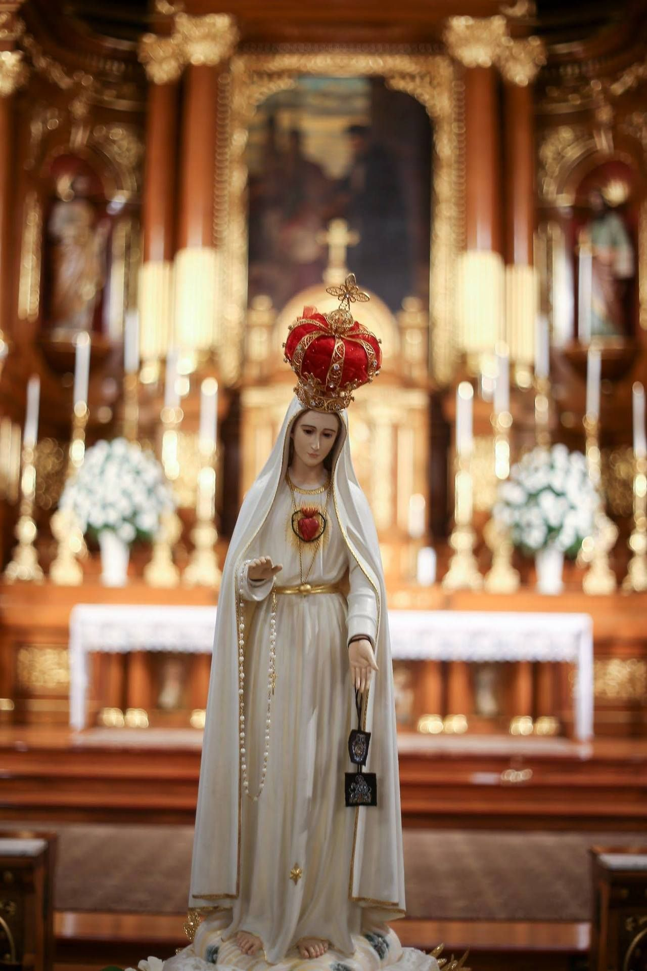 100th Anniversary Celebration Of Our Lady Of Fatima St John Cantius Church Chicago Il Blessed Mother Statue Blessed Mother Mary Blessed Mother