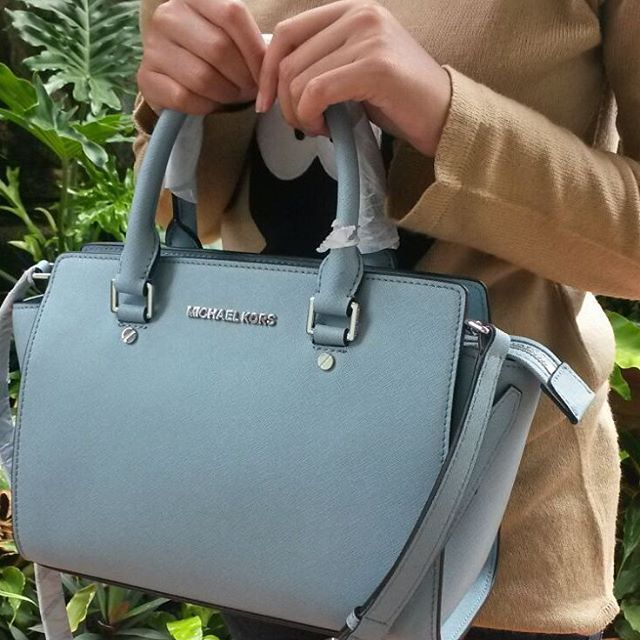 Michael Kors Handbags Find Deals on Clearance Michael Kors