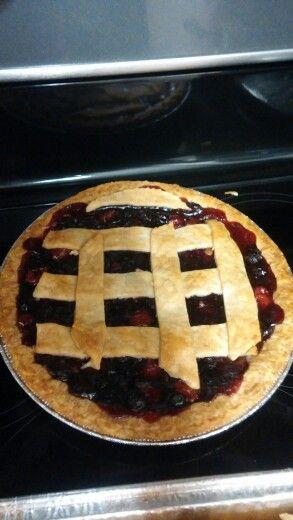 Cherry/blue berry pie