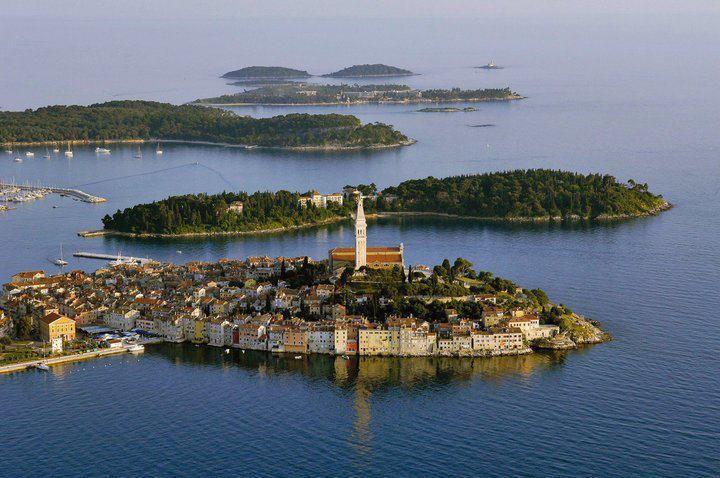 Istra turistička destinacija  Početci razvitka istarskog turizma uočljivi su već u razdoblju rimskog imperija, a vrhunac dostiže krajem osamdesetih