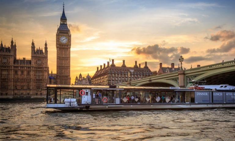 Bateaux Dinner Cruise London