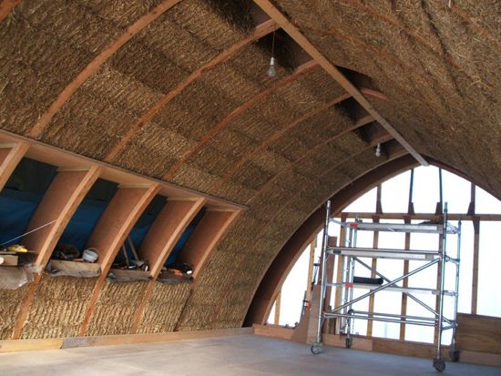 Designing And Self Building An Affordable Straw Bale House House Planning Help Straw Bale House Cob House Straw Bales