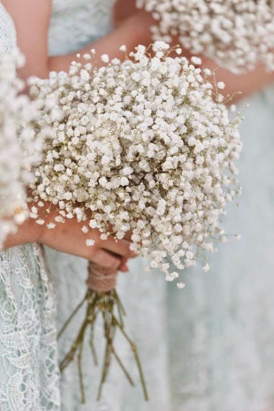03 a baby's breath bridesmaid bouquet isn't only classics, now it's a hot trend - Weddingomania #bridesmaidbouquets