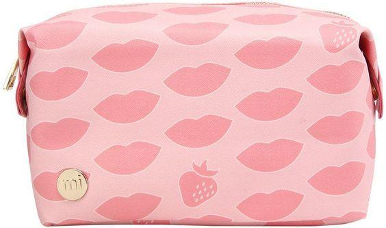 mi pac. Kosmetiktasche, »Make-Up Bag, Lypsyl Alpine Strawberry« für 24,99€. Kulturbeutel für Freizeit oder Reisen »Lypsyl Alpine Strawberry« bei OTTO