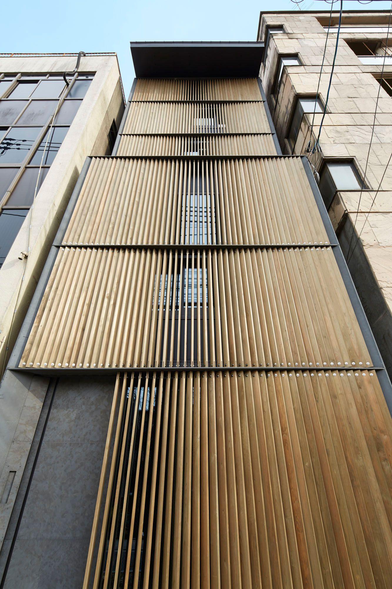 Holzfassade Detail vertikal interpretiert k8 in kioto vertikal architektur und fassaden