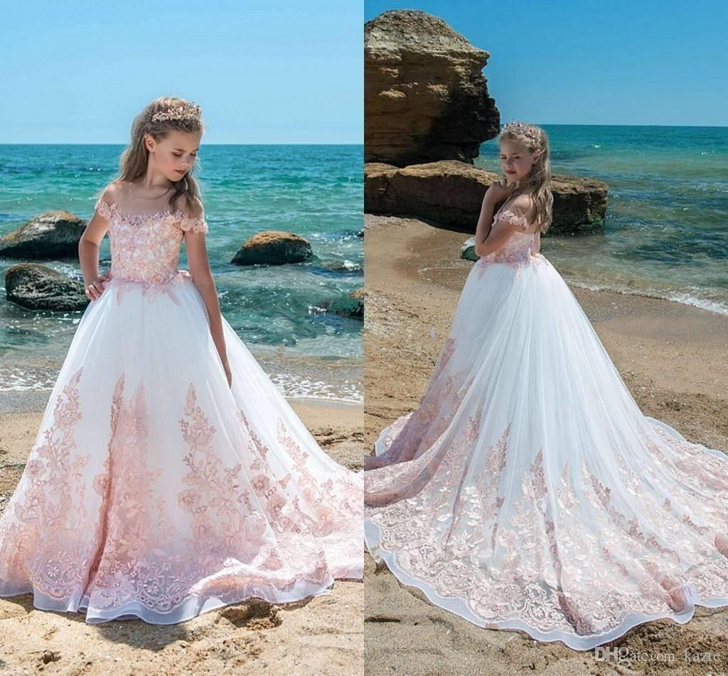 Elegant Wedding Dresses for Girls | Wedding Photography